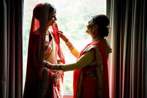 Chicago Gujarati Wedding - Bride with Mom - Rahul Rana Photography