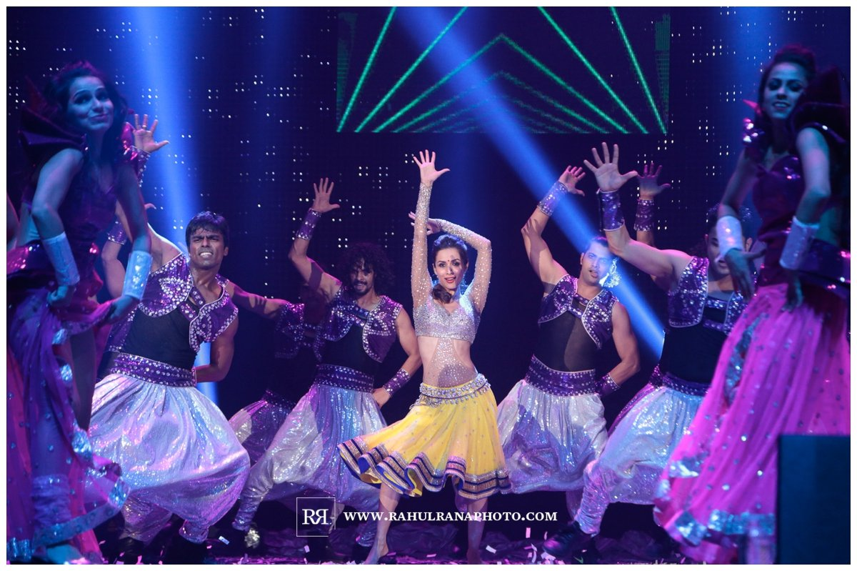Slam Concert Tour Chicago - Malaika Arora dancing on Stage - Rahul Rana Photography